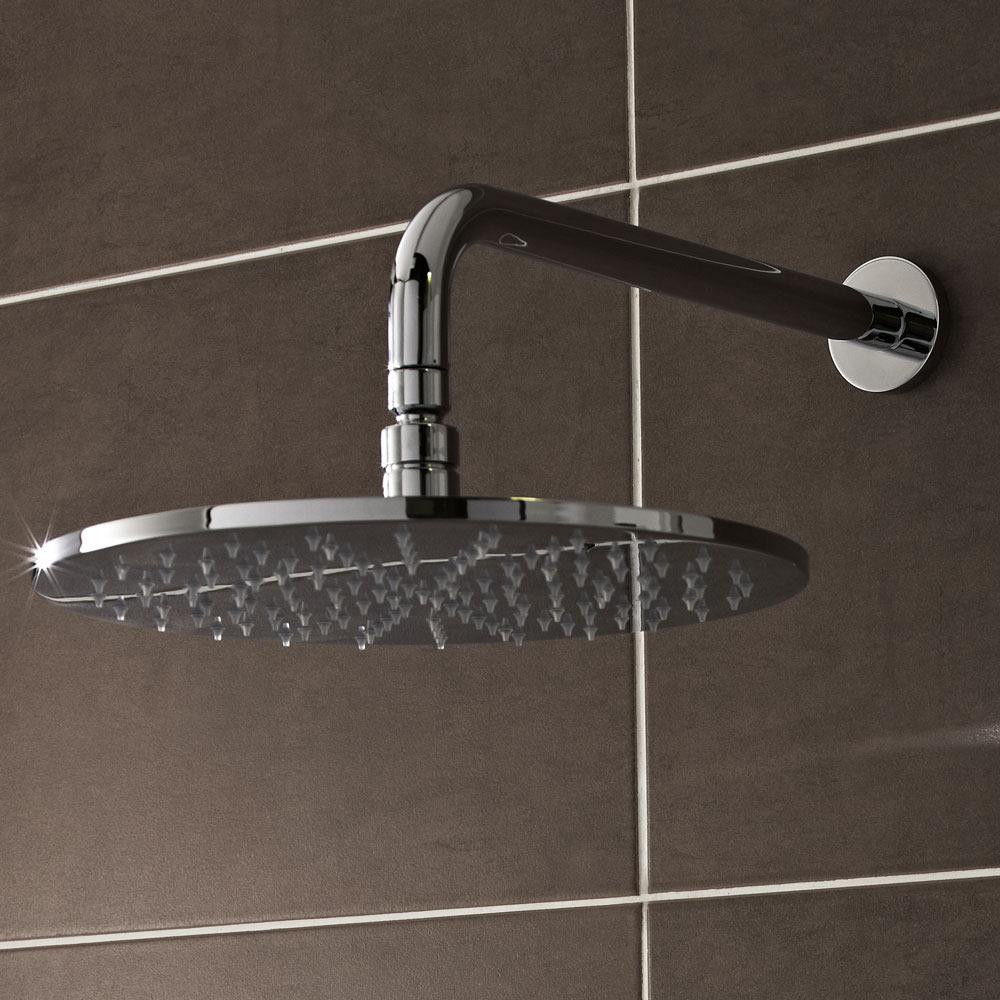 Soffione Doccia a LED Fisso 200mm Tondo con Braccio Doccia Murale