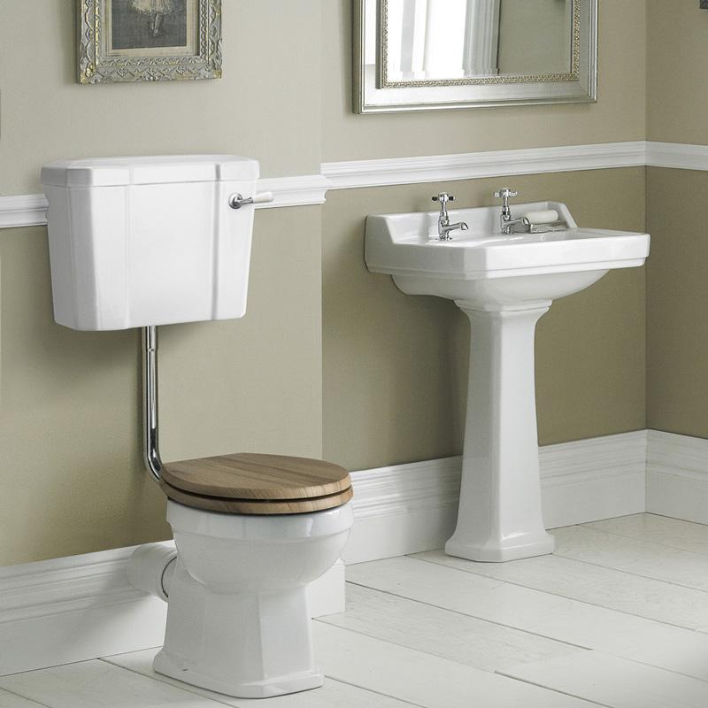 Set Bagno Completo di Lavabo e SanitarioTradizionale con Cassetta Bassa e con Scelta di Sedili Copri WC