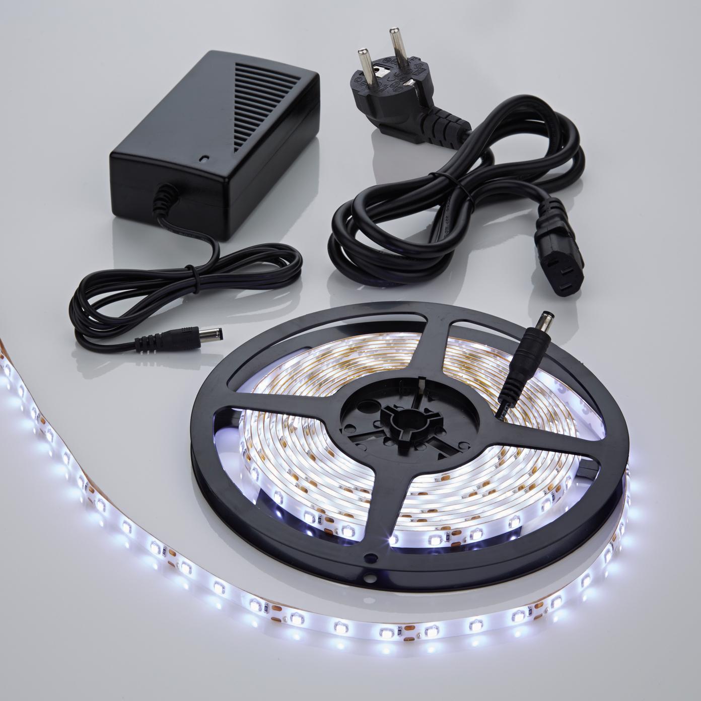 Strisce LED 5 metri Bianco Freddo con Trasformatore