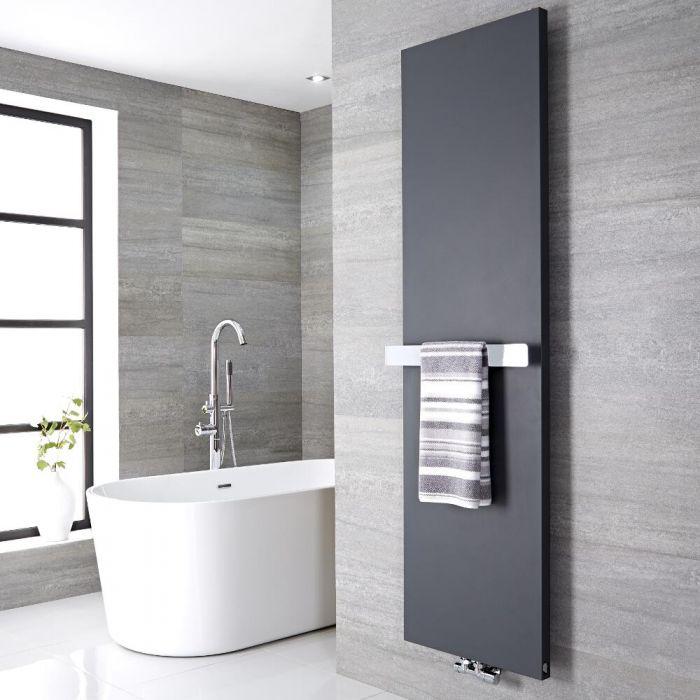 Radiatore di Design Verticale con Porta Asciugamani - Acciaio - Attacco Centrale - Antracite - 1800mm x 600mm x 40mm - 1107 Watt - Rubi