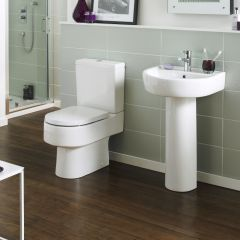 Sanitario a Terra in Stile Moderno in Ceramica con Vaso e Sedile Copri WC