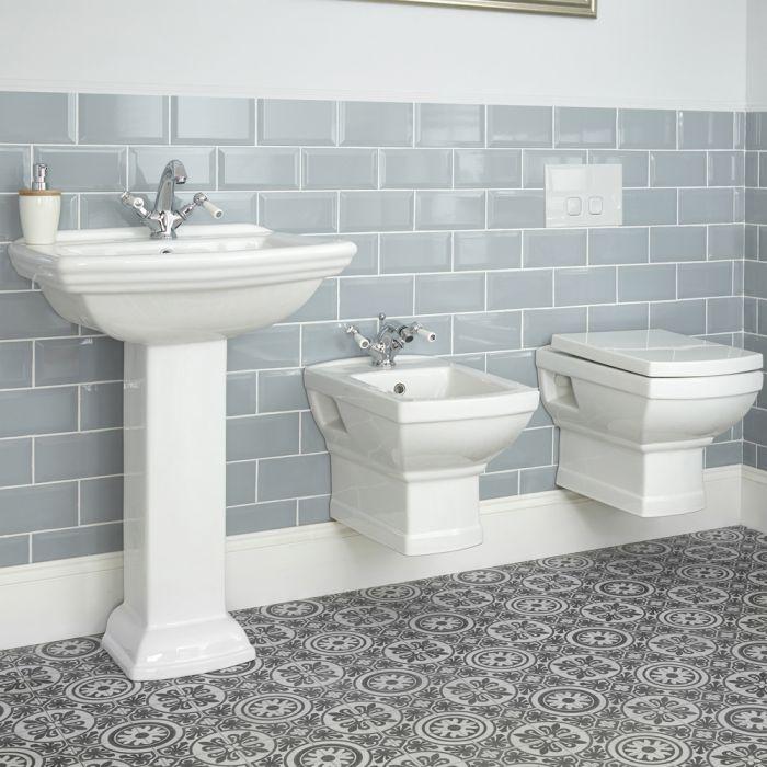 Set Bagno Tradizionale Completo di Sanitario WC e Bidet Sospeso con Diverse Opzioni di Lavabo - Chester