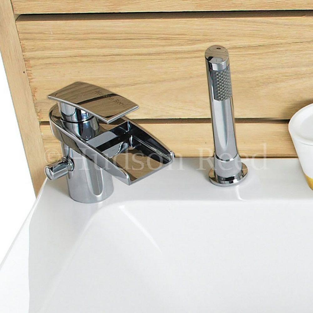 batteria bordo vasca e lavabo a 2 fori con miscelatore a cascata e doccetta rhyme. Black Bedroom Furniture Sets. Home Design Ideas